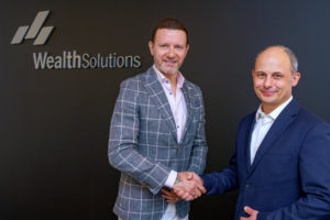 Współpraca Wealth Solutions z Radosławem Majdanem