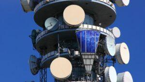 jak inwestować w spółki telekomunikacyjne