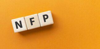 """Kostki układające się w napis """"NFP"""""""